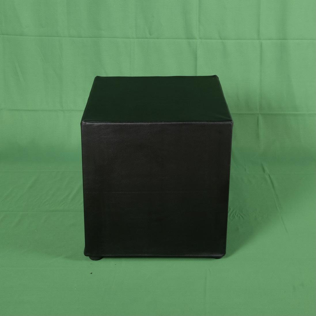 เก้าอี้สตูลลเต๋าสีดำ