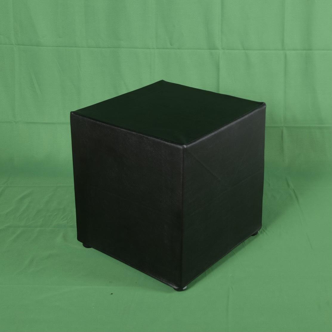 สตูลลเต๋าสีดำ