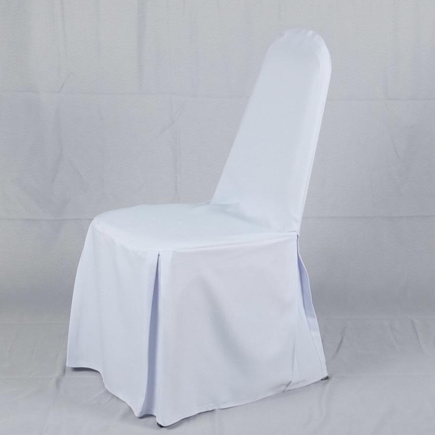 ให้เช่าเก้าอี้นวมพร้อมผ้าคลุมสีขาว