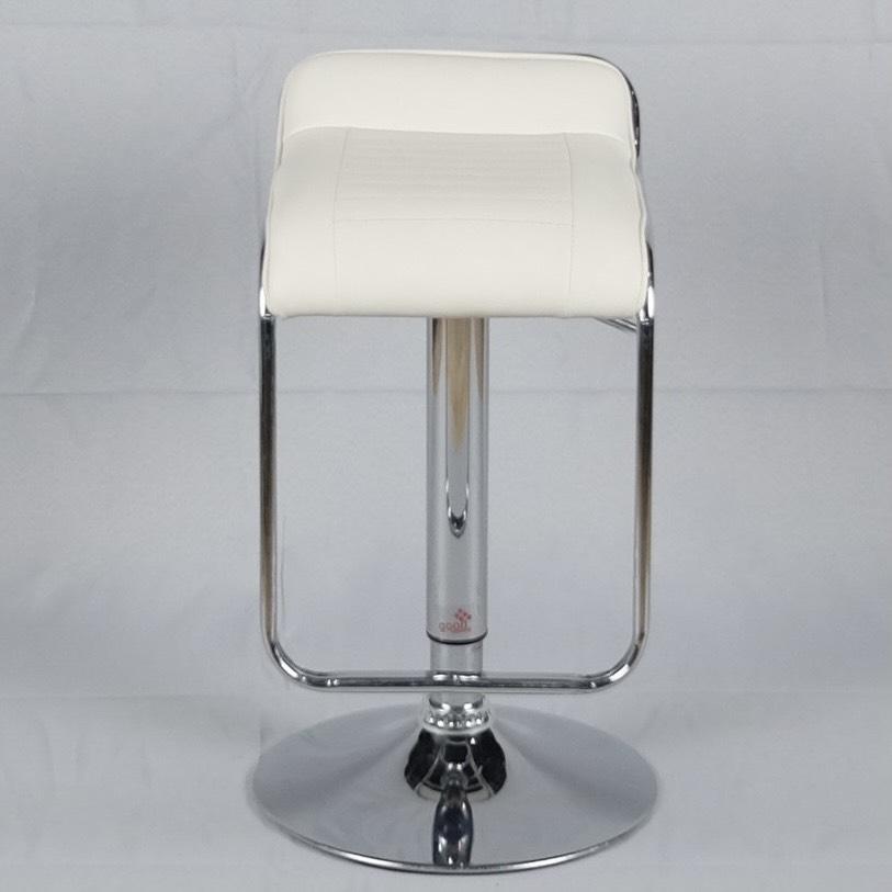 เก้าอี้บาร์ทรงสูงสีขาว
