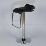 เก้าอี้บาร์ทรงสูงหุ้มหนังพีวีซี มีที่พักเท้า สีดำ