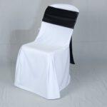 เก้าอี้พลาสติกสีขาวโบว์ดำ