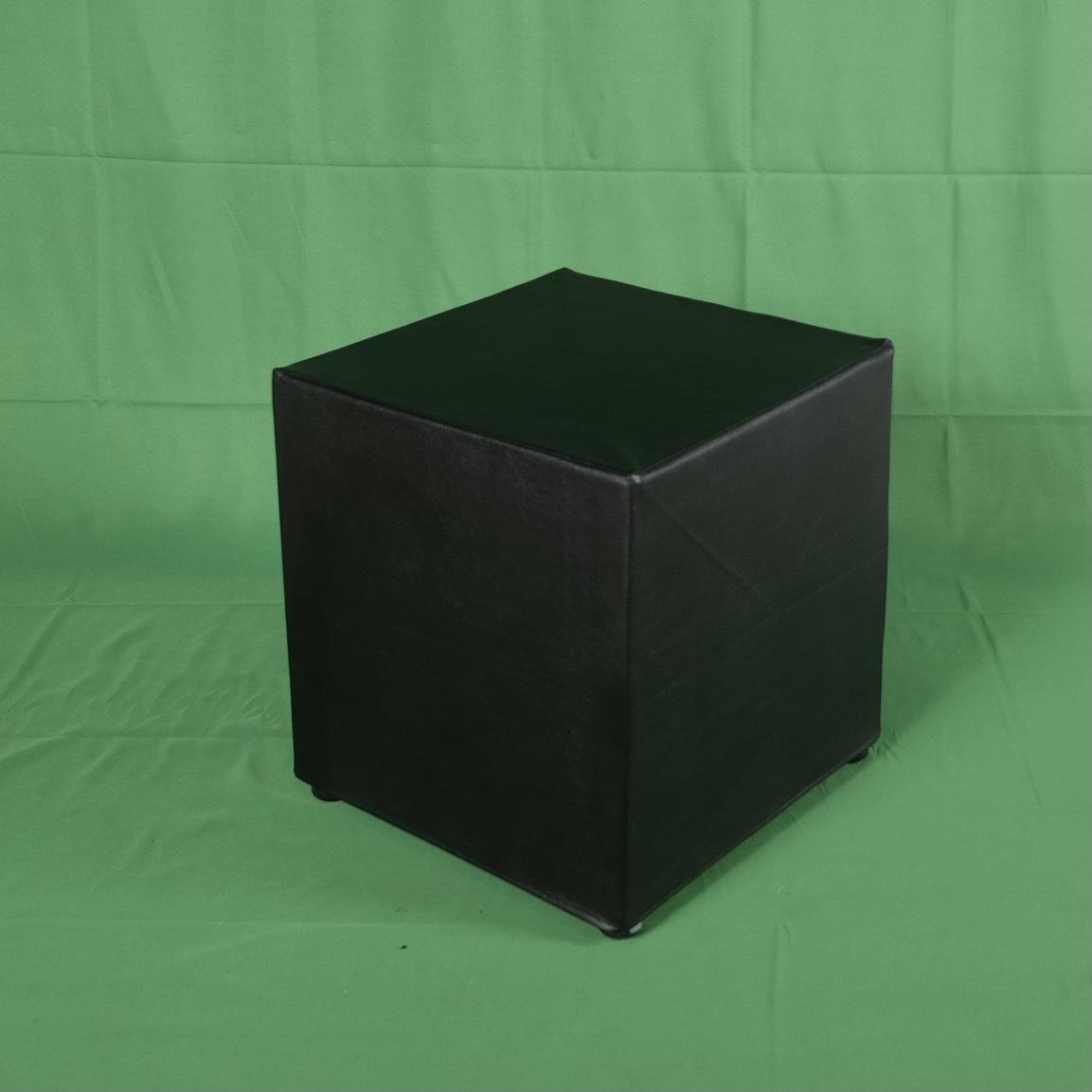 โต๊ะสตูลลูกเต๋าดำ